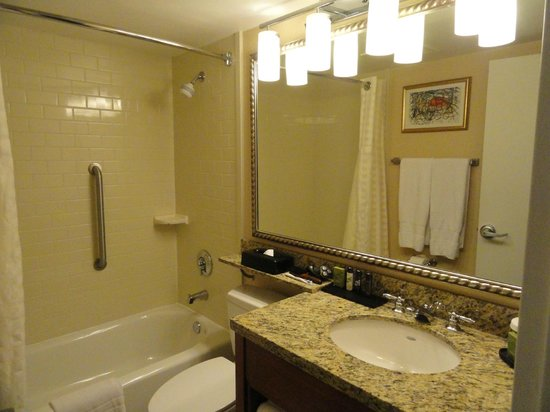 Embassy Suites by Hilton Philadelphia - Center City: Very clean - Crabtree and Evelyn Products