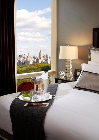Trump International Hotel and Tower New York: Park View Bedroom