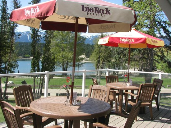 The Pynelogs Cafe: Licensed Beachside Patio