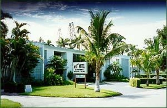 Mariner Apartments & Motel: 1295 Gulf Shore Blvd So