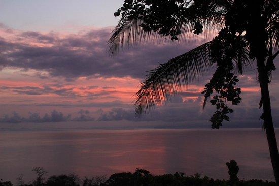 Lapa Rios Ecolodge Osa Peninsula: sunrise from one of the decks