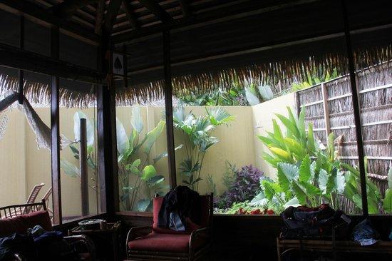 Lapa Rios Ecolodge Osa Peninsula: looking out fro the bungalow to the gardens and outside shower