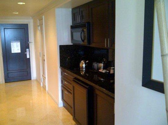 فندق ومنتجع ذي أتلانتك الصحي: Mini Kitchen w/ Stove, Micro, Toaster, Fridge