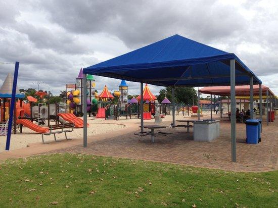 Apple Funpark 7 - BBQ Areas