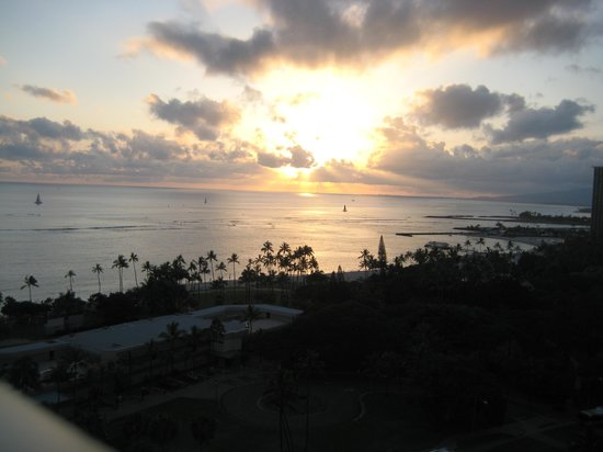 Trump International Hotel Waikiki: sunset room view