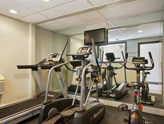 Days Inn Greenfield: Fitness Center