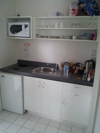 FYFFE on Riccarton Motor Lodge: Kitchen