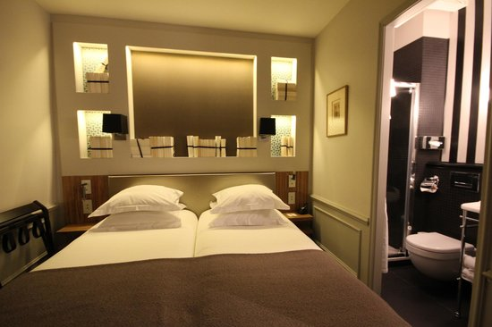 Hotel Verneuil Saint-Germain: Tiny yet perfect room