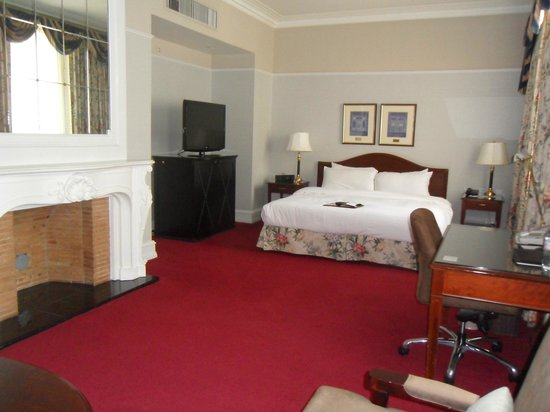 The Fairmont Palliser: King Deluxe suite- Rm 947