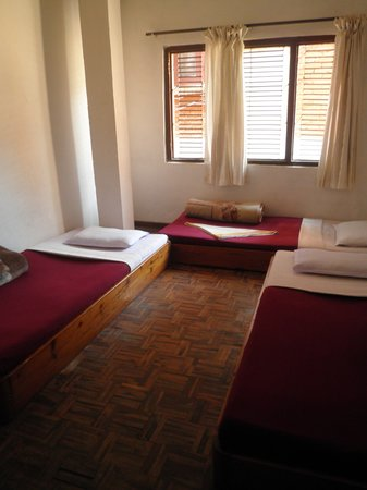 Ganesh Guest House: Beds