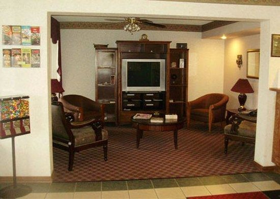 Econo Lodge Fayetteville: lobby