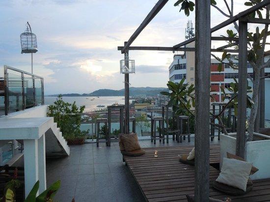 NAK Hotel: Rooftop bar