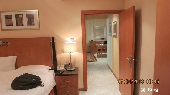 TIME Opal Hotel Apartments: Passage from lounge room to bed room