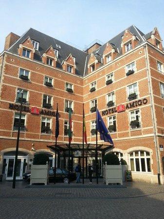 Hotel Amigo: отель