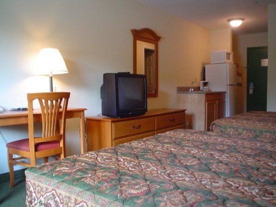 Motel 6 Hinesville: Other Hotel Services/Amenities