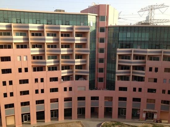 Grand Midwest Express Hotel Apartments: facade look