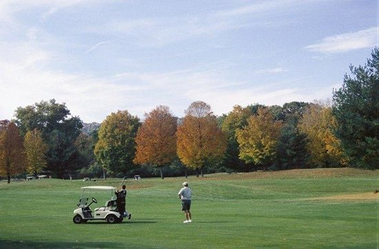 Heritage Hotel: Pomperaug Golf Course