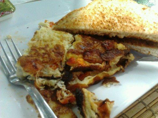 Liguanea Club : My husbands omelet