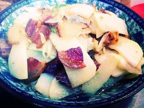 Rong Ba XiongDi : 土豆炒腊肉