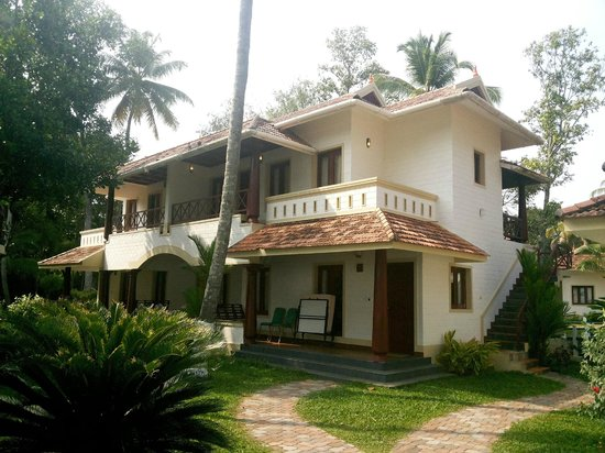 The World Backwaters: Our Lake view front villa