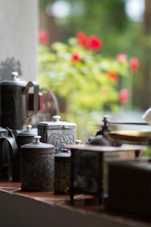 Domaine saint Dominique : La salle à manger - détail -