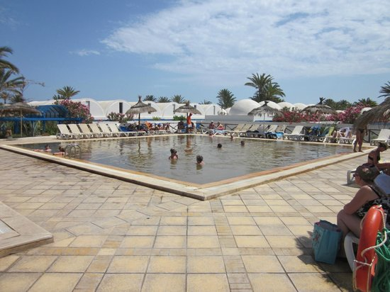 Piscine thermale photo de club marmara narjess midoun for Piscine thermale