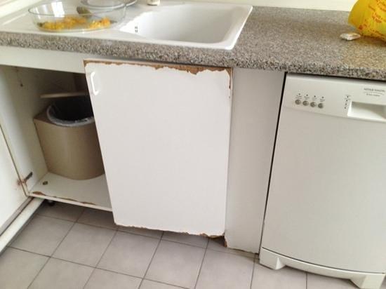 Residence Nice Fleurs: il mobilio della cucina