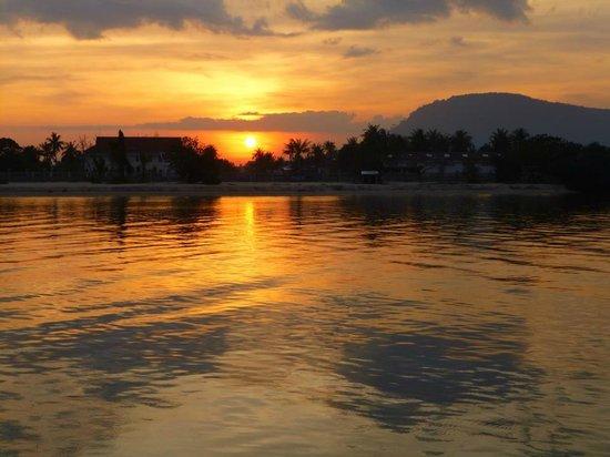 Rikitikitavi: Sunset