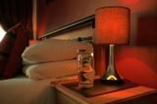 Phoenix Guest House: Guest bedroom