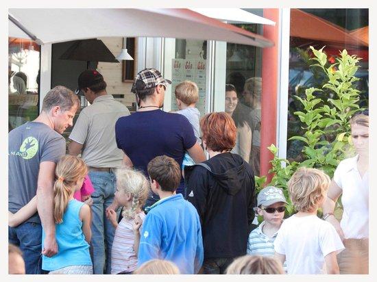 Eiscafé Orangerie: Im Sommer