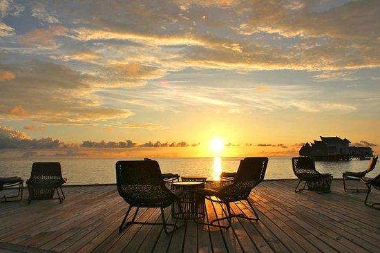 Jumeirah Vittaveli: Sunset view