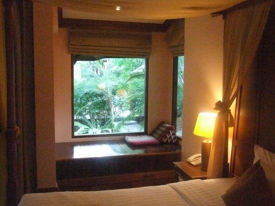Sunrise Tropical Resort: window area of vill plus