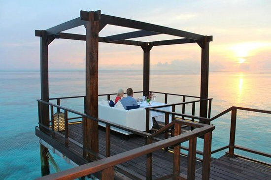 Jumeirah Vittaveli : The Incredible Fenesse restaurant..