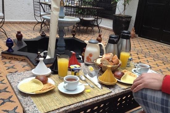 Riad Jomana: La colazione!