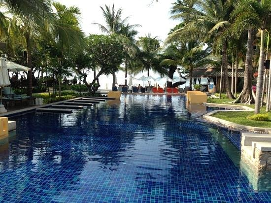 Novotel Samui Resort Chaweng Beach Kandaburi: the pool!