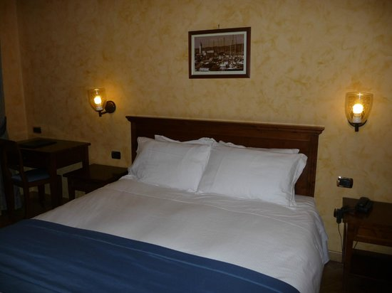 Hotel Continentale: Camera 105