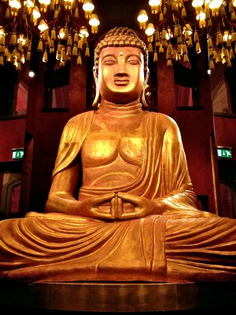 Buddha-Bar Hotel Budapest Klotild Palace: wowwww