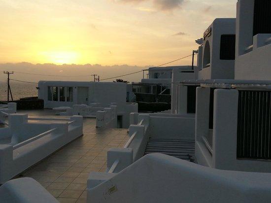 Rocabella Mykonos Art Hotel & SPA: Sunset