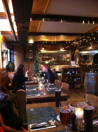 Jacobs Bar BQ: Udsigt til køkken