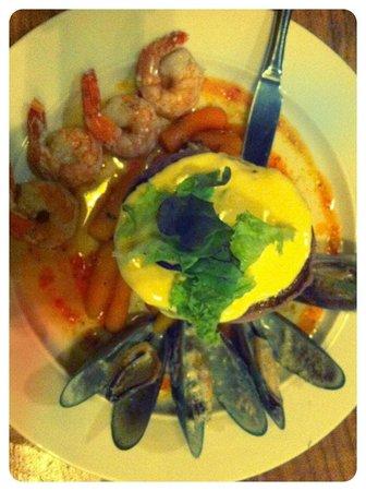 Mud Bay Cafe: Surf n Turf