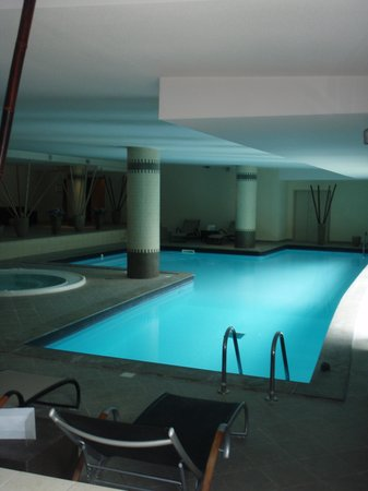 Hotel Parc Beaumont: piscine au -1