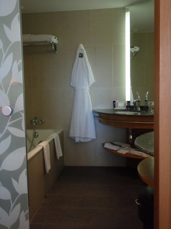 Hotel Parc Beaumont: salle de bains