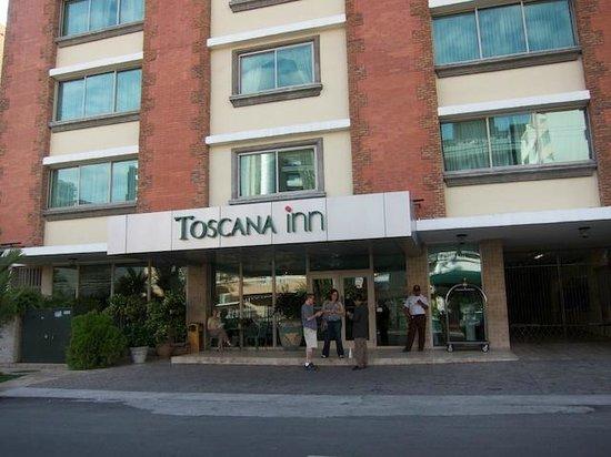 Toscana Inn Hotel: Hotel Exterior