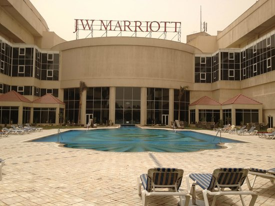 JW Marriott Hotel Cairo: Outdoor and indoor pool are connected