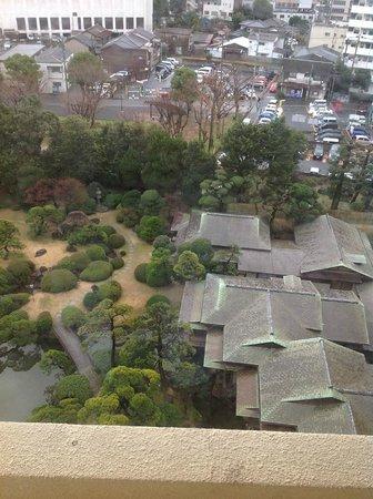 Hotel New Tagawa: 庭園が望めます(少し高すぎですが)