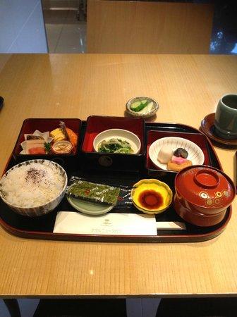 Hotel New Tagawa: 手がかかった朝食という感じで美味です