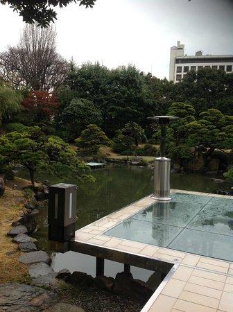 Hotel New Tagawa: 朝食時にも庭園の池を眺められます