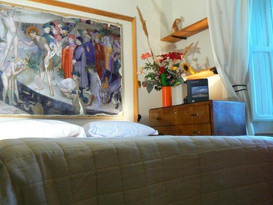 B&B Aquilone - Villa Liberty : Camera con rifacimento affresco Salimbeni