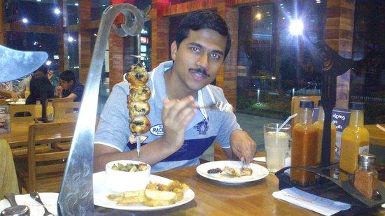 Nandoo's : With food