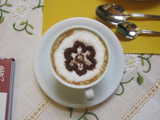 Hotel Artorius: Cappuccino to Order